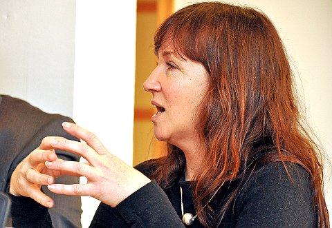 – Alle partiene ønsker ny svømmehall, men vi må være ansvarlige, sier Strand-ordfører Irene Heng Lauvsnes. (Arkivfoto)