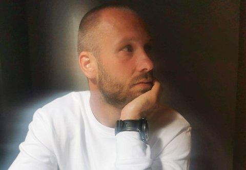 UTEN JOBB: Nicolai Larsen Berg har fortsatt ikke funnet ny jobb, tre måneder inn i året. Foto: Privat