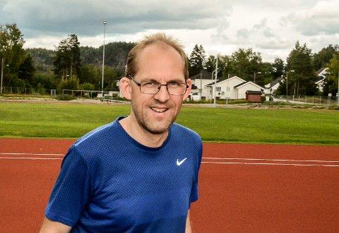 Tore Bredesen forteller at Vebjørn Hovdejords tid i UM plasserer han helt i norgestoppen for 15-åringer.