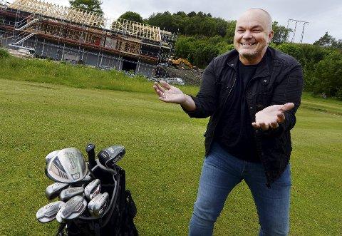 Kjetil Løbersli og golfklubben skal feire seg selv.