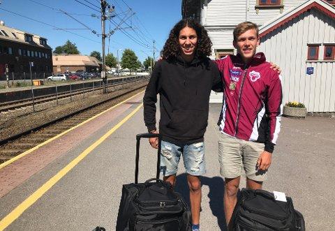 NYTT MESTERSKAP: Moa Abounnachat Bollerød (til venstre) og Henrik Flåtnes deltar i U20 EM i friidrett denne uken.