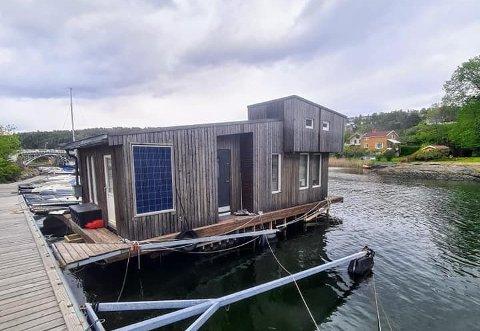NY BOLIG: Jørn Morten Riise skulle egentlig ha ny leilighet, men falt for denne husbåten i stedet.