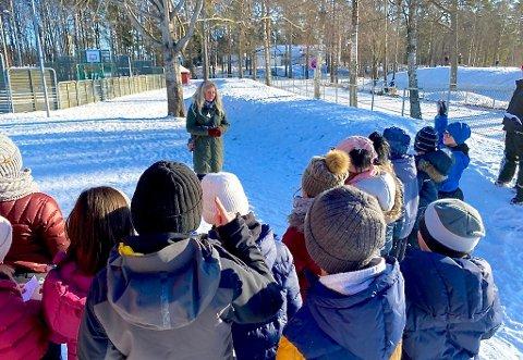 SPØRRETIME: Ordfører Anne Rygh Pedersen fikk mange gode spørsmål og innspill fra klasse 3C da hun besøkte Eik skole.
