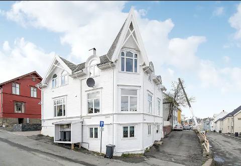 HOTELL: Naboene reagerer på mye trafikk til Prestenggata 2, og har varslet Tromsø kommune om det de hevder er hotellvirksomhet i et bolighus.