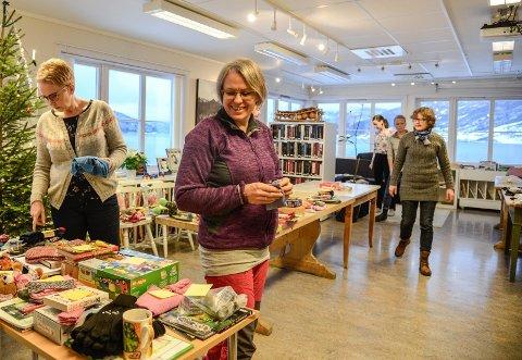 Frivilligsentralen i Vang syter for at alle born og unge flyktningar i Vang får gåve til jul.