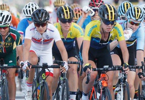 Doha, Qatar 20161015. Sykkel-VM  2016. Fellesstart kvinner.  Katrine Aalerud i årets sykkel-VM i Doha. Foto: Terje Bendiksby / NTB scanpix