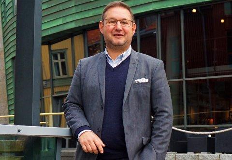 INVITERER TIL KÅRING: Stig Berg-Johansen fra Sparebank 1 BV inviterer, sammen med DN, til kåring av gaselleprisvinnere i Oseberg kulturhus fredag.