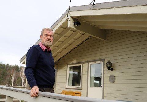 Asbjørn  Semb har hatt fastlinje og internett på hytta i Nordre Frogn i rundt 20 år. Forrige uke sto han brått uten.