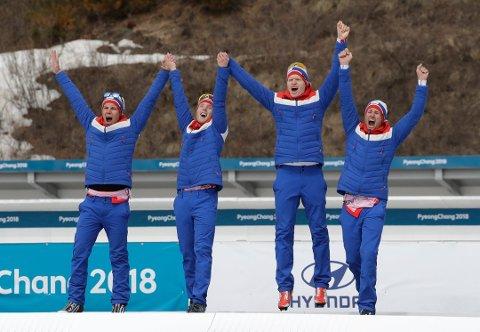 Nils-Erik Ulset (til høyre), Hakon Olsrud, Eirik Bye, og guide Arvid Nelson kunne juble for sølv.