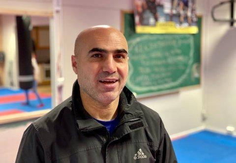 NY START I NYE LOKALER: Mehmet Bulut (47) håper det vil fungere med klubben hans i Gjerstad.