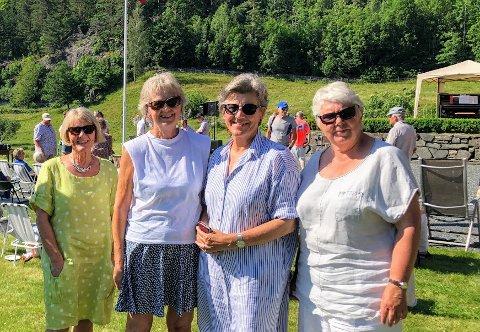 Venninnene Liv, Torhild, Turid og Bjørg storkoste seg under konserten.