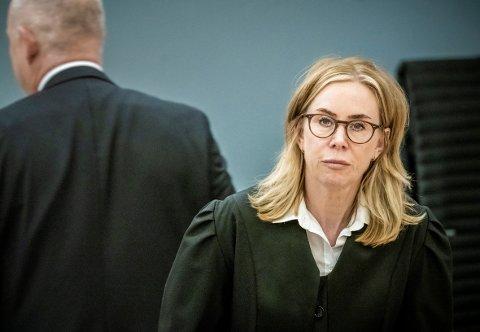 RETTSSAK: Statsadvokat Marit Formo mener Politiets sikkerhetstjeneste (PST) avverget en terroraksjon i Norge da den nå terrortiltalte 16-åringen ble pågrepet.