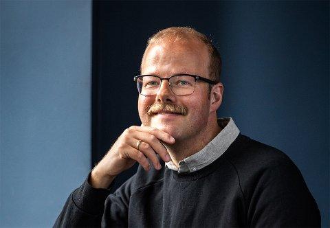 Andreas Liebe Delsett deler betraktninger om møtet med det profesjonelle restaurantkjøkken i en ny bok. Foto: Sigurd Fandango