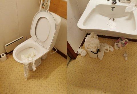 HÆRVERK: Slik så toalettene i servicesenteret ut da de ansatte kom tilbake på jobb etter påske.