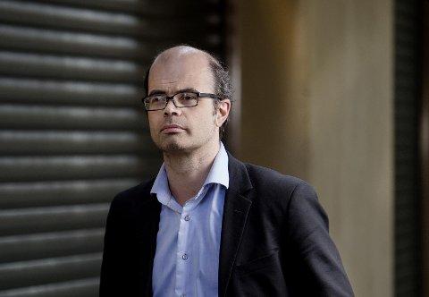 Klar for sjakkparti: Hans Olav Lahlum har i en årrekke hatt flere roller innenfor sjakken, både som spiller, dommer og kommentator.