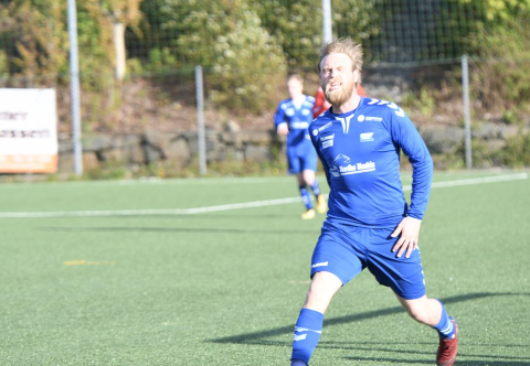 Scoret i RIL-debuten: Glenn Ivan Pedersen ventet ikke lenge før han laget sitt første mål for Randaberg torsdag kveld. Her er han riktignok i kvitsøydrakt, men det er arkivbilde.