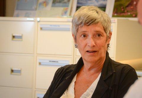 Lokalpolitiker: Sølvi Ona Gjul (Ap) er lite begeistret for måten som Høyre vil løse situasjonen med lite ressurser for skoler på Rennesøy.