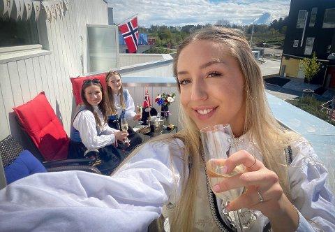 Champagne: Randabergbu Ida Finnestad Hansen startet 17. mai-feiringen i godt lag.