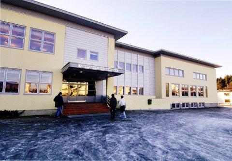 NY REKTOR: Vestfossen ungdomsskole skal få ny rektor. Åtte personer har søkt på stillingen.