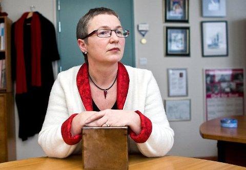 Fylkeslege Helga Arianson.