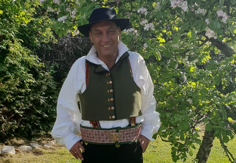 Anders Ole Sunnarvik (Ap) heldt hovudtalen i Eikefjord.
