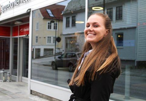 Eline Knapstad, fagleiar og salsansvarleg hos Eigedomsmeklar Vest.