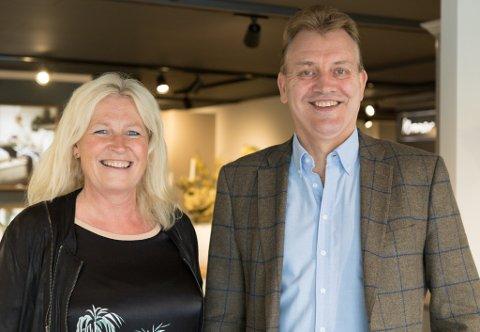 SAMARBEID: Dagleg leiar Bodil Kidøy Lunde og styreleiar John Helge Lunde er ikkje lenger eit par privat. – Eg har ei fantastisk kone og ei fantastisk ekskone, seier Lunde.