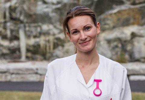 PERMISJON FRÅ STREIK: Sjukepleiar Britt Lovise Støfring ved Skei omsorgssenter.