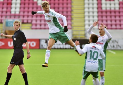 SKAL TRENE MED FFK: Eirik Laabak (bildet) og Torvald Berthelsen fra Kråkerøy skal trene med FFK fra neste uke. FOTO: Jørn Kristoffersen