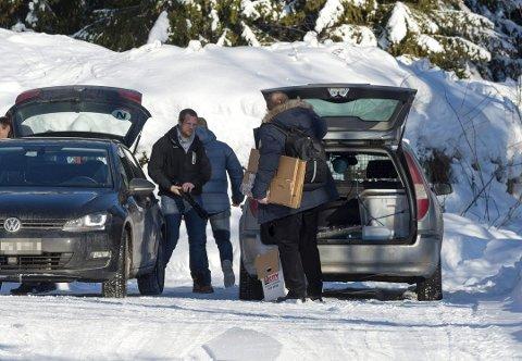 En Fredrikstad-mann og en virksomhetsleder i Nannestad kommune er tiltalt for grov korrupsjon og økonomisk utroskap. Bildet er fra politiets ransaking