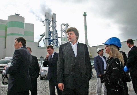 ESTLAND: Roar Paulsrud fra fabrikkåpning i 2006. Disse investeringene har kastet av seg de siste årene.