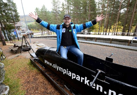 – 27. september startet vi kjøringen på is her i bob- og akebanen. Som vanlig var vi først ute i verden, sier en strålende fornøyd Jan Oddvar Tangen,  avdelingsleder i Lillehammer Olympiske Bob- og Akebane.  Alle foto: Morten Aasen