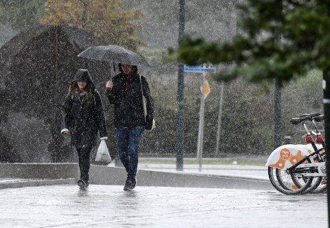 Mandag kommer det inn et frontsystem fra vest som gir regn i Lillehammer og Gudbrandsdalen.