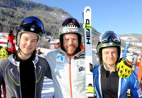 Brødrene Mads (t.v.) og Nikolai Larsen er prøvekjørere i forbindelse med verdenscupen i Kvitfjell og fikk møte sitt store idol Kjetil Jansrud.