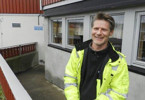 FOREBYGGENDE: Wiggo Andersen trekker fram det forebyggende arbeidet som en av lensmannens store fortrinn. – Det er en grunn til at det er lite kriminalitet i Aremark, sier han.
