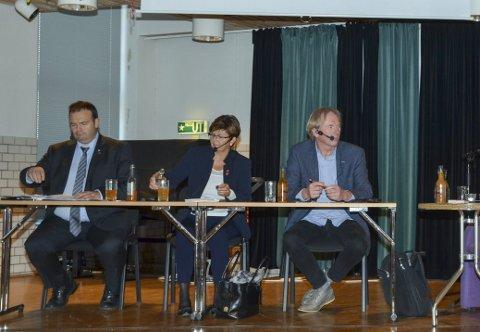 I panelet: Roald Aga Haug (Ap), Solfrid Borge (Sp) og Jon Larsgard (Sp) under eit tidlegare arrangement i regi av Senioruniversitetet.arkivfoto: Ernst Olsen