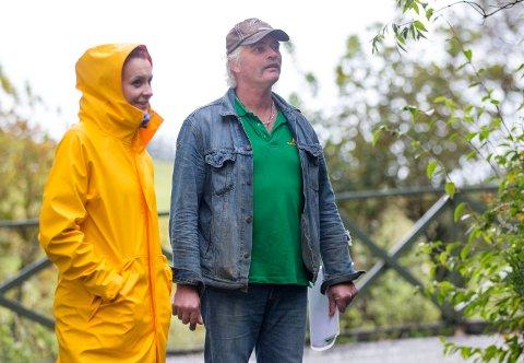 BISTÅR: Haugaland Zoo på Torvastad og Bernt Kai Velde  får hjelp av veterinær Michaela Modig fram til ny veterinær kommer.