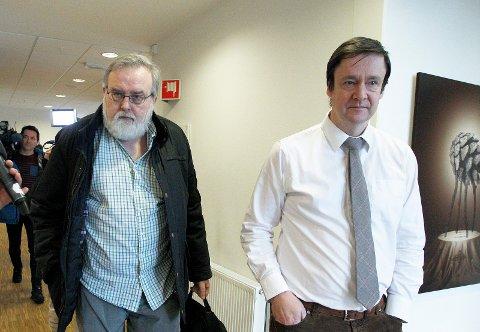 Avviser forelegg: Styreleder Kjell Gunnar Larsen i Haugesund SOS Rasisme må møte i retten igjen etter at lokallaget ikke vil godta politiets forelegg. Her med sin forsvarer John Christian Elden i straffesaken.