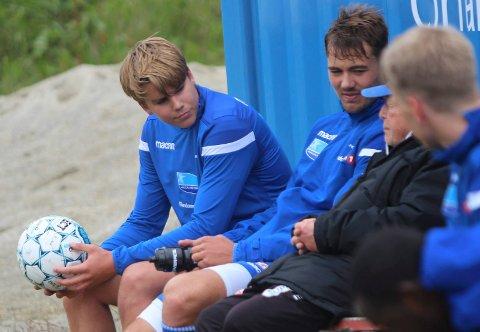 BLIR EN DEL AV GJENGEN: Martin Samuelsen på FKH-trening sist sommer sammen med Fredrik Pallsen Knudsen og Regy Gabrielsen. Nå blir han FKH-spiller.