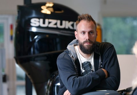 TRØKK: Stian Røgenes, daglig leder hos Haugaland Båtsenter gleder seg til ferie nå.