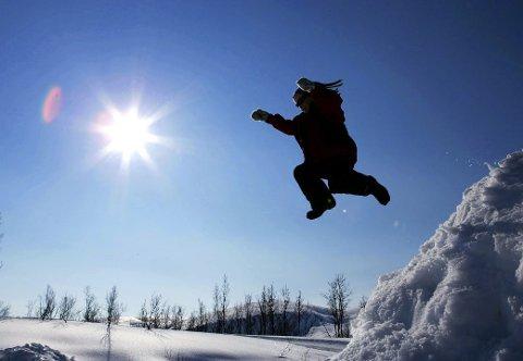 GODVÆR I VENTE: – Hele uka blir det fint både ved kysten og inn i landet, sier Meteorolog Rune Skoglund. Illustrasjonsfoto: Tor Richardsen / SCANPIX