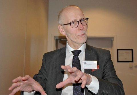 NESTE SKRITT ER TATT: Advokat Brynjar Østgård har sendt prosessvarsel til staten på vegne av Bivdu, tidligere Tana og Omegn Sjølaksefiskerforening.