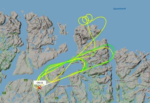 RARE MØNSTRE: Det svenske flyet laget rare mønstre mens det fløy over Kirkrnes i dag.