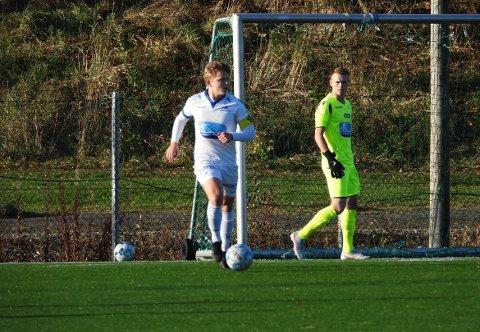 Daniel Normann, her i FKH-drakta, har bestemt seg for å reisa til USA for å satsa på fotball.