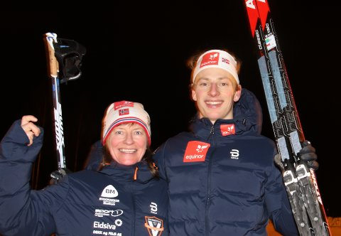 VM-KLAR: Mamma Siv Irene Andersen Evensen, som kommer fra Veggli og er bosatt i Kongsberg, er kjempefornøyd etter at sønnen Ansfar Evensen er klar for junior-VM i Lahti. (FOTO: ERIK BORG)
