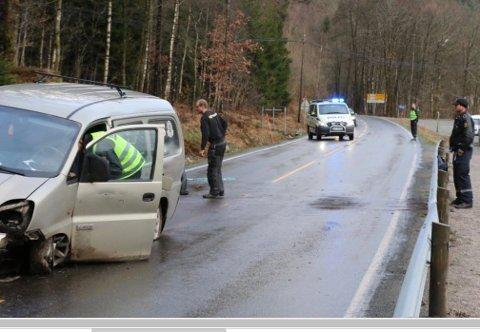 ULYKKE: Veivesenet sier nei til lavere fartsgrense ved Kvåsfossen med henvisning til lave t<ll for ulykker med personskade. Det har likevcel skjedd ulykker uten personskade på stedet.