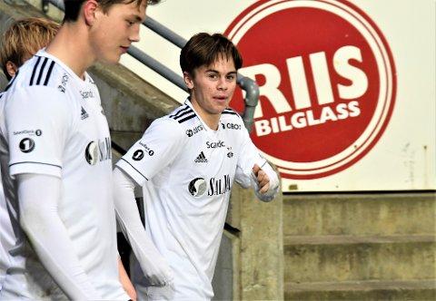 Tidligere akademisjef og vikar som hovedtrener, Rini Coolen, leder nå satsingen i den nederlandske storklubben Feyenoord. Nidaros vet at de har vist interesse for Dennis Gaustad.