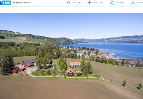 SELGES ETTER ET SNAUT ÅR: Den idylliske gården nord for Gjøvik kunne egne seg til tomt for et framtidig storsykehus, mente Gjøvik-politikerne. Nå har kommunen avertert gården for 800.000 kroner under den prisen de selv måtte ut med.