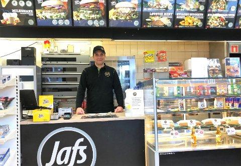 JAFS HUNNDALEN: Mohamed Tarek Albabili startet fastfoodrestaurant i gamle Esso i Hunndlen i oktober.