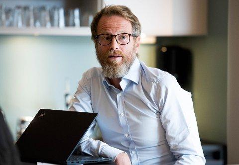 Daglig leder i det drammensbaserte selskapet Conexus, Andreas Wisløff Samuelsen, sier han ikke vet hvem som skal ha fisket ut personopplysninger.